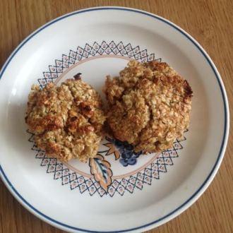 on day 5 I made oaty & lemon curd cakes - courtesy of Jack Munroe's LBTL 2014